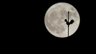 Va-t-on habiter sur la Lune ?