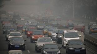 Một ngày mù mịt ở Bắc Kinh. Ảnh 26/02/2014.