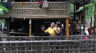 Dans le quartier arakanais bouddhiste de Borga Fara.