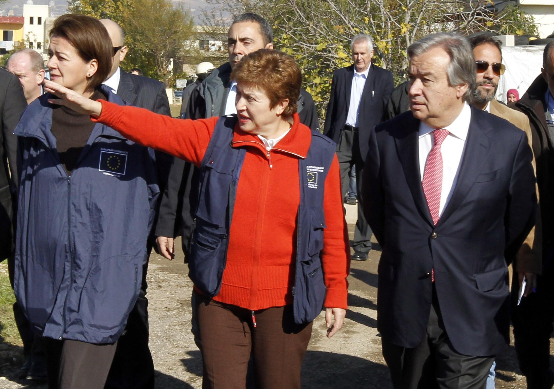 Avec Kristalina Georgieva, commissaire européenne à l'Aide humanitaire, dans la plaine de la Bekaa, en 2012.