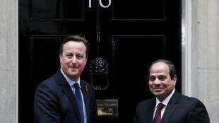 El primer ministro británico David Cameron recibe al presidente egipcio al-Sisi en Londres, 5 de noviembre de 2015.