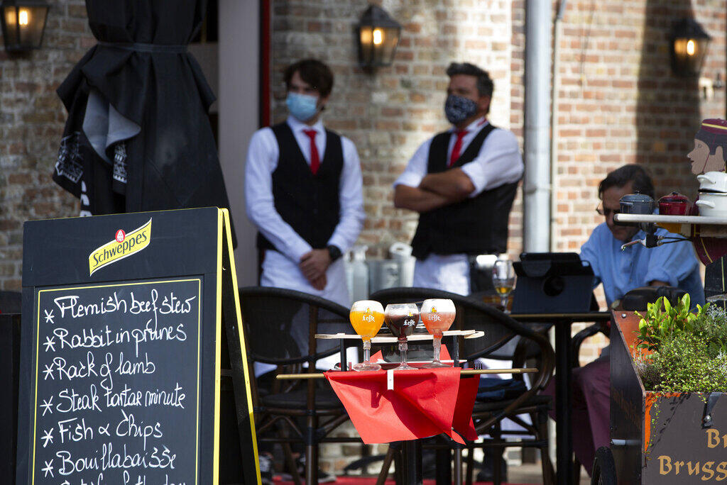waiters restaurant belgium
