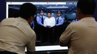 2013年9月22日,薄熙来在山东济南中级人民法院聆听法庭判决。