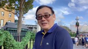 Nhà văn Úc gốc Hoa Dương Hằng Quân (Yang Hengjun) chúc mừng năm mới trên Twitter của ông. Ảnh chụp lại từ một video trên mạng xã hội.