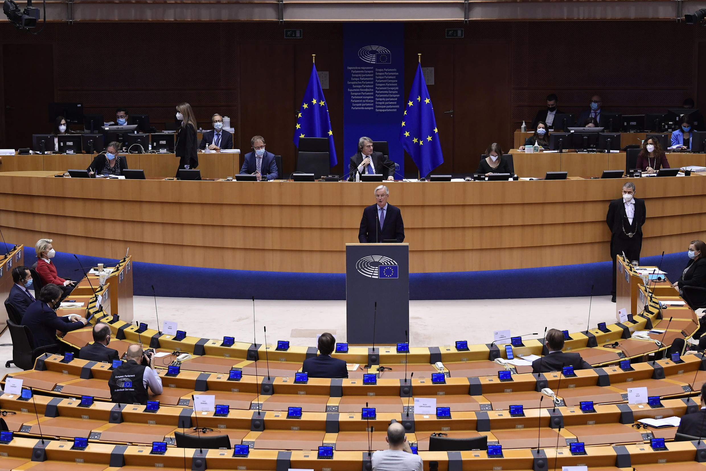 El jefe del grupo de trabajo para las relaciones con el Reino Unido, Michel Barnier, durante el debate sobre el acuerdo de comercio y cooperación entre la UE y el Reino Unido en el Parlamento Europeo en Bruselas, el 27 de abril de 2021