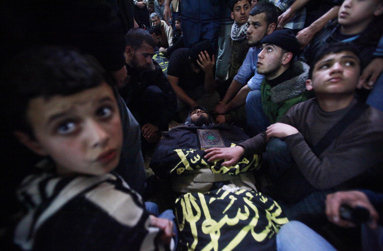 Đám tang một chiến binh Hồi giáo tại dải Gaza ngày 10/03/2012.