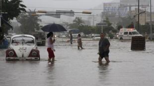 Várias cidade, principalmente na região do Golfo do México, então alagadas desde o fim de semana.