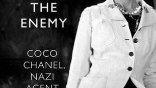 Durmiendo con el enemigo, Nueva Biografía de Coco Chanel