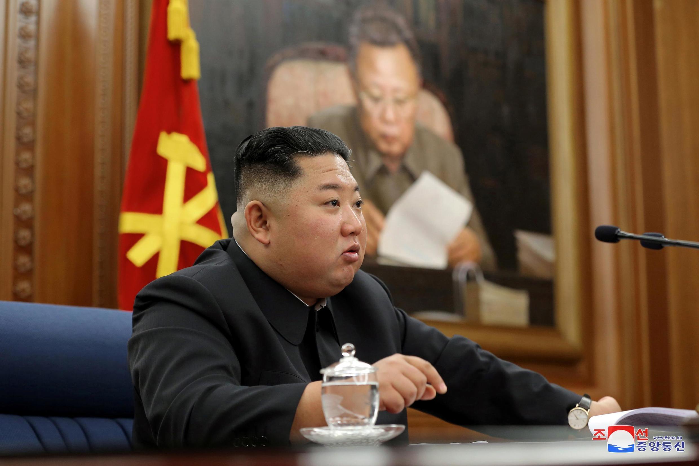 Lãnh đạo Bắc Triều Tiên Kim Jong Un phát biểu nhân cuộc họp mở rộng của Quân Ủy Trung Ương đảng Lao Động Triều Tiên, ngày 22/12/2019.