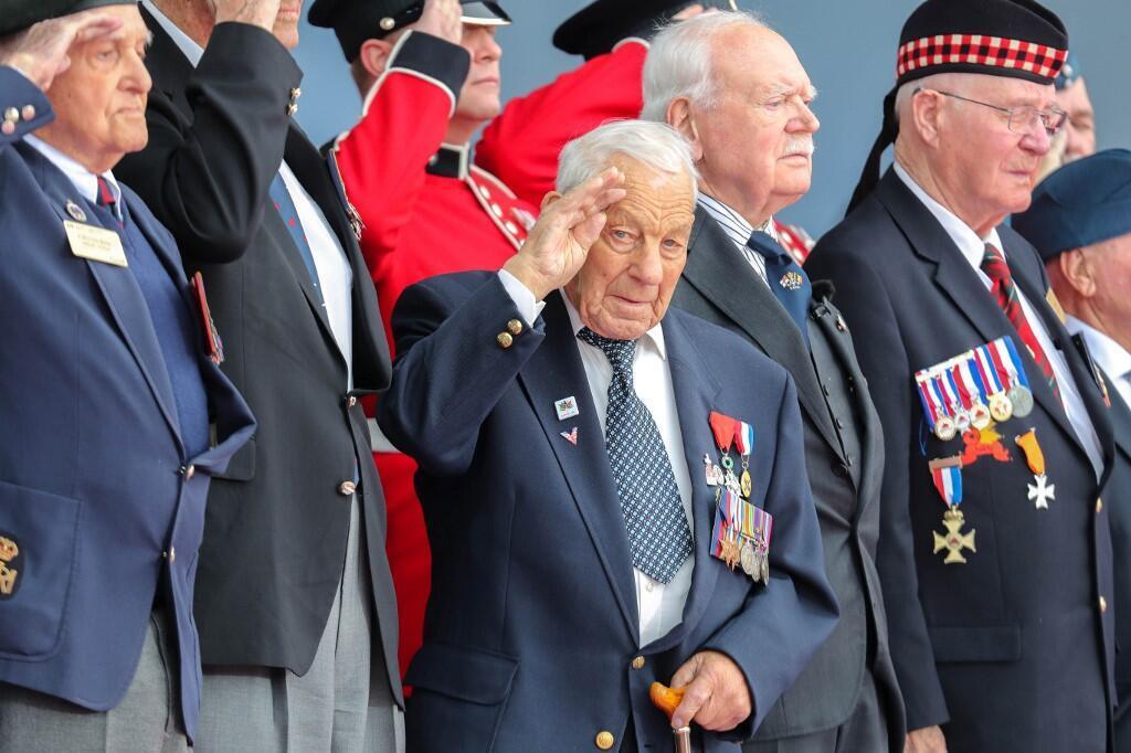 Ветераны высадки в Нормандии в Портсмуте 5 июня 2019