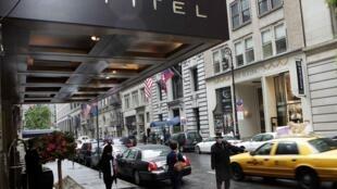 C'est dans cet hôtel du Sofitel de New-York aux Etats-Unis, que le patron du FMI, Dominique Strauss-Kahn se serait rendu coupable d'agression sexuelle sur une femme de chambre. Photo le 15 mai 2011.