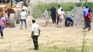 دادستان نظامی استان مازندران، علت درگیری را اختلاف ملکی بین اهالی منطقه بیشه کلا و پایگاه هوایی ارتش عنوان میکند.