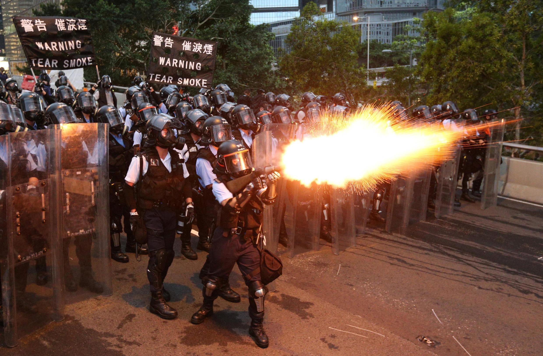 As forças de ordem em ação em Hong Kong, 12 de junho de 2019.