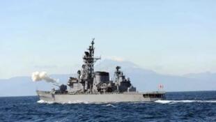 """日本海上自卫队驱逐舰""""岛风""""号资料图片"""