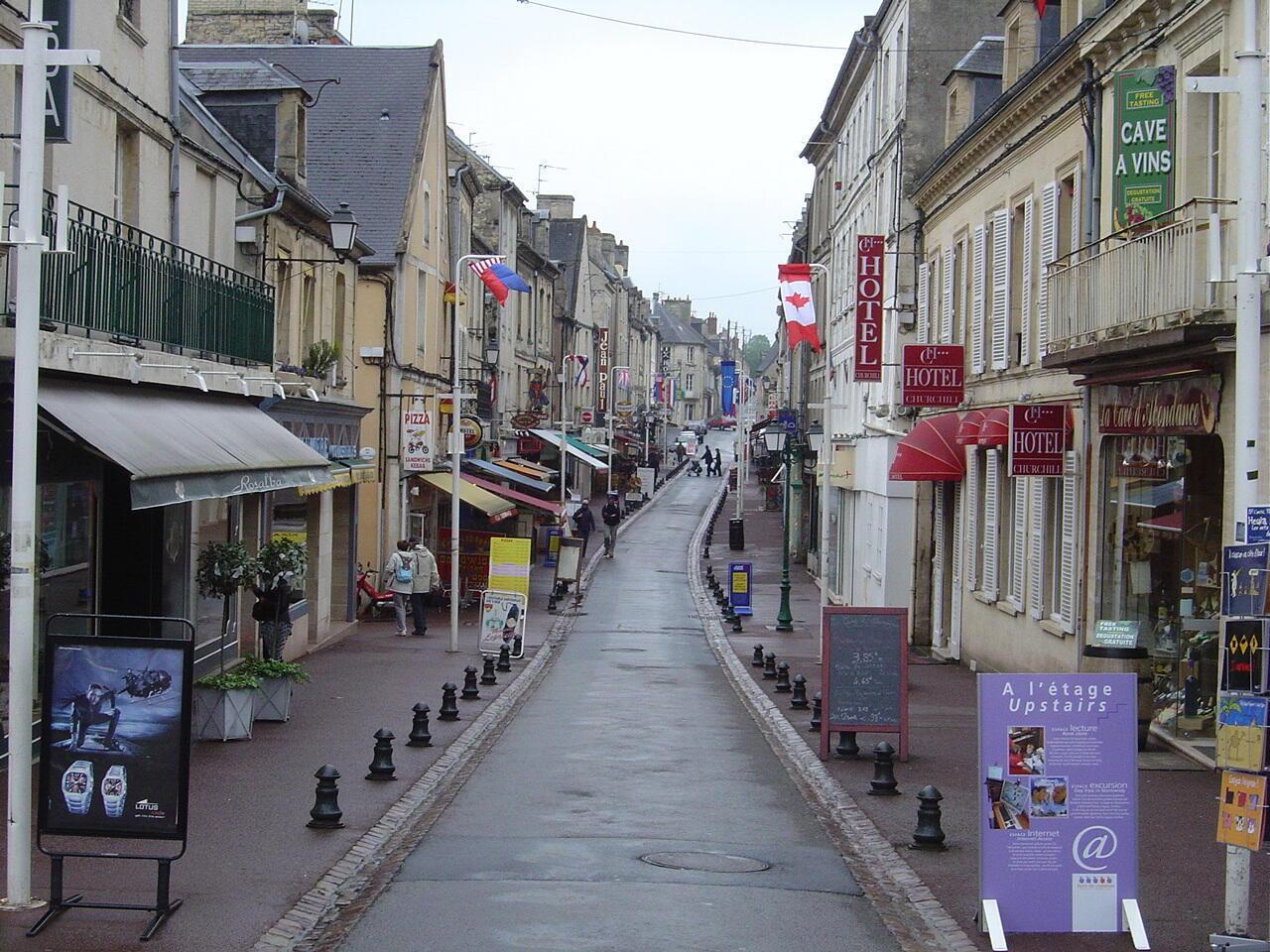 Центральная улица города Байё