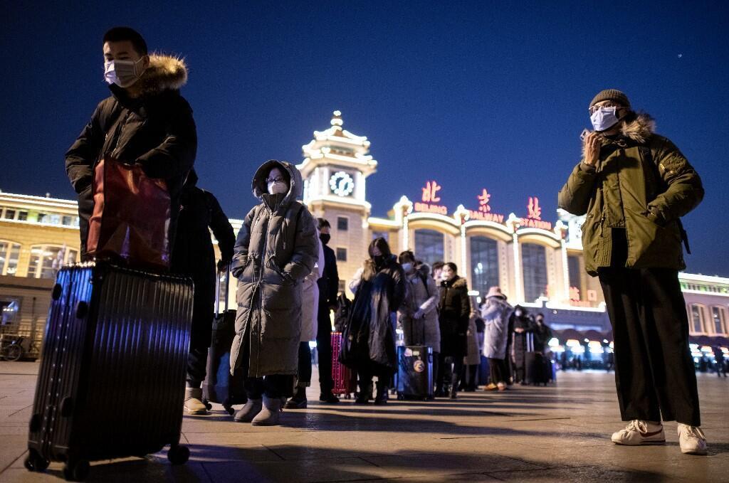 با شیوع گستردۀ ویروس کرونا در سراسر چین، شمار مبتلایان به این ویروس کشنده در این کشور، به بیش از ٧ هزار و ٧٠٠ نفر رسید.