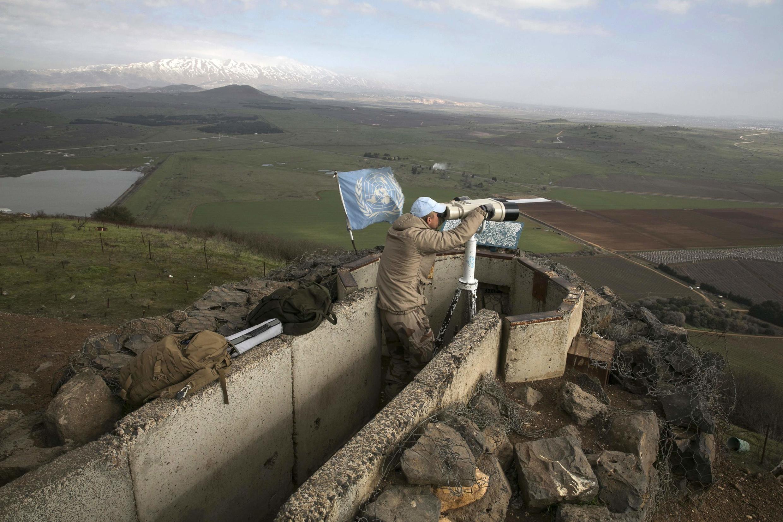 Một thành viên của Ủy ban giám sát Liên Hiệp Quốc tại cao nguyên Golan, ngày 28/01/2015.