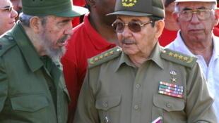 La transmission du pouvoir de Fidel à Raoul Castro a coïncidé avec une relative ouverture du régime.