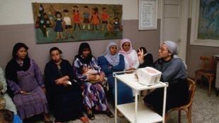 Pour réduire le taux de croissance démographique, le ministère égyptien de la Solidarité sociale vient de lancer un programme de sensibilisation à la limitation des naissances.
