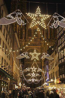 A feira de Natal da cidade francesa de Estrasburgo, na Alsácia, é uma das mais antigas e tradicionais da Europa.