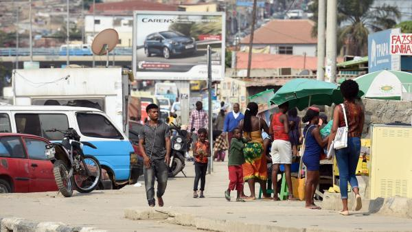L'Angola, qui affichait un des taux de croissance les plus forts d'Afrique, est l'un des pays les plus pauvres du monde.