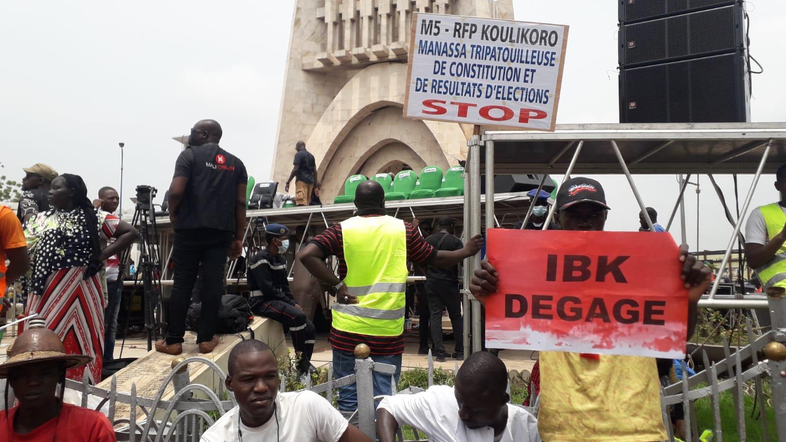 Troisième rassemblement de l'opposition place de l'indépendance, à Bamako, Mali, le 10 juillet 2020.