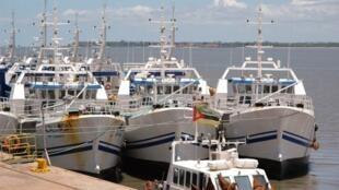 Barcos da EMATUM, uma das empresas envolvidas na dívida oculta de Moçambique.