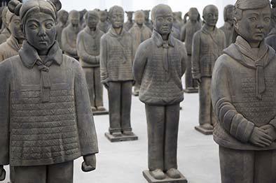 Prune Nourry的熟土女童俑个展,玛格达·达尼斯画廊,上海,2013年。