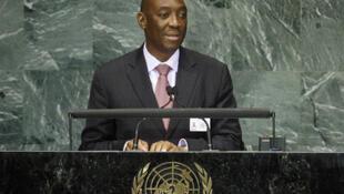 O antigo chefe da diplomacia moçambicana, Oldemiro Balói discursando na sede da ONU