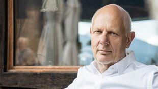 ماتیاس هورکس، محقق آینده پژوه آلمانی و نویسندۀ کتاب «جهان پس از کرونا» Matthias Horx, futuriste (www.horx.com), photo: Klaus Vyhnalek  (www.vyhnalek.com)