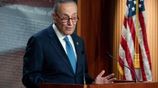 El líder de la minoría demócrata del Senado de Estados Unidos, Chuck Schumer, en una conferencia de prensa en Washington el 6 de enero de 2021