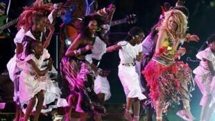 La colombiana Shakira, el plato fuerte musical de la ceremonia de clausura.
