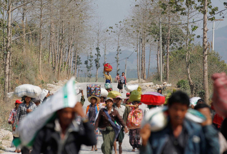 Chạy loạn ở Laukkai, thủ phủ của khu vực người Kokang, miền bắc Birmanie.