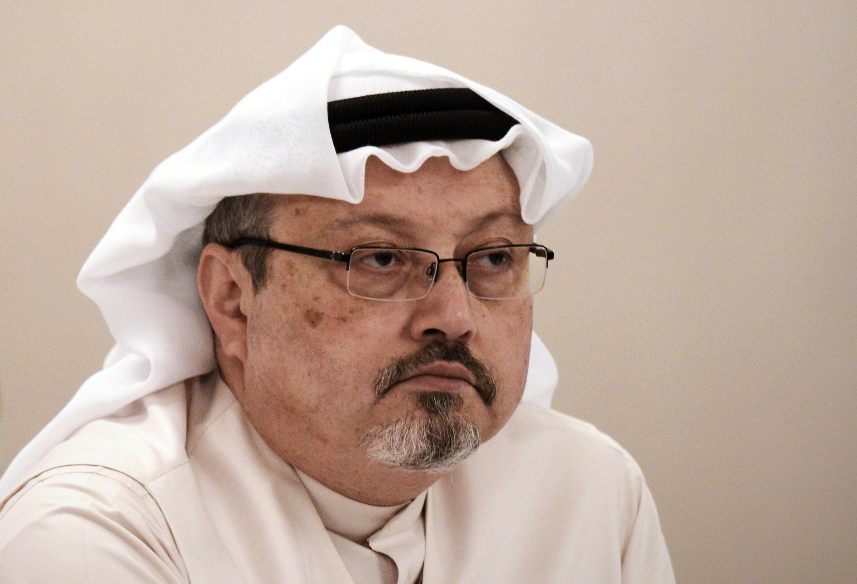 Esta foto de archivo del 15 de diciembre de 2014 muestra a Jamal Khashoggi en una conferencia de prensa