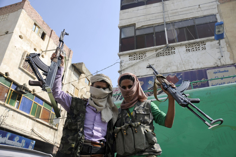 Các chiến binh Yemen chống lại chế độ của ông Saleh, Taez, 4/12//2011.