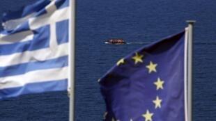 Un bateau de réfugiés approche l'île grecque de Lesbos. La crise migratoire sera au coeur du nouveau sommet européen.