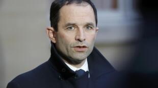 Benoît Hamon,  à saída de Matignon,   na Segunda - feira, 30 de Janeiro de 2017