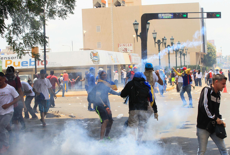 Lors des manifestations contre le président Maduro, à Maracaibo au Venezuela, le 19 avril 2017.