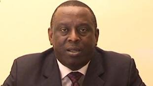 Ni ye Cheikh Tidiane Gadio,  senegali kɔkanko minisiri kɔrɔ  ja de ye.