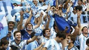 Para um torcedor argentino, a torcida brasileira não é tão apaixonada quanto a argentina