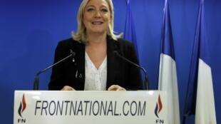 Марин Ле Пен после первого тура выборов в Нантерре под Парижем 22/03/2015