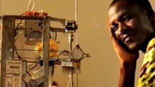 L'imprimante 3D du «WoeLab» de Lomé au Togo.