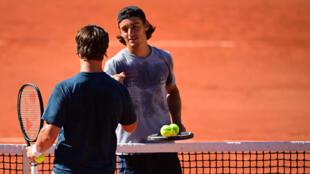 Arthur Bonnaud, sparring partner à Roland Garros, à la fin d'une séance d'entraînement au troisième jour du tournoi, le 1er juin 2021 à Paris