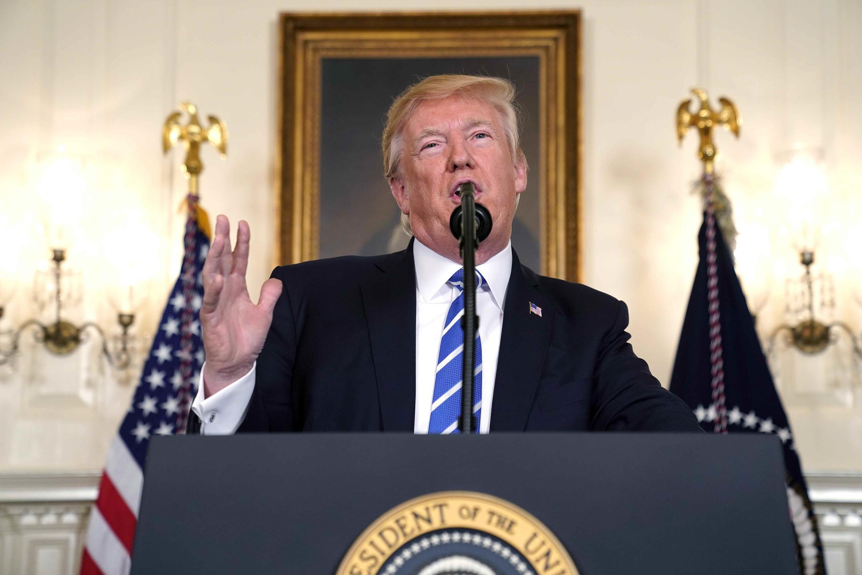 Tổng thống Mỹ Donald Trump nói về chuyến đi Châu Á. Ảnh tại Nhà Trắng, ngày 15/11/2017.