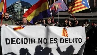 Pro-independence demonstrators in front of the Supreme Court in Madrid, 12 February, 2019.