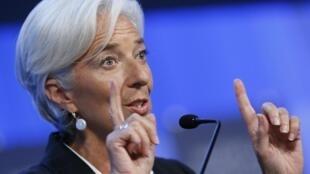 A chefe do FMI, Christine Lagarde, pode excluir a Argentina da instituição.