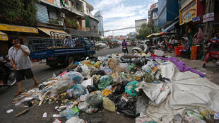 Trash Pile in Phnom Penh - Photo by Siv Channa