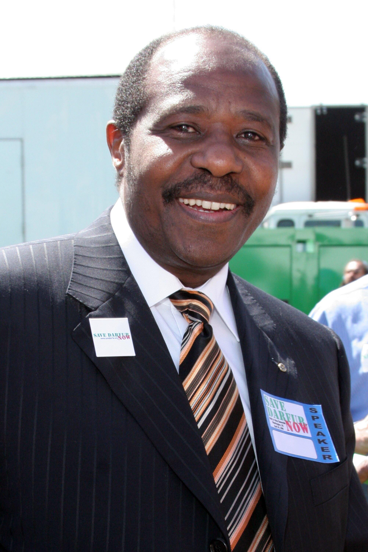 Paul Rusesabagina, lors de sa participation à la marche «Sauver le Darfour: rassemblement pour mettre fin au génocide», le 30 avril 2006, à Washington.