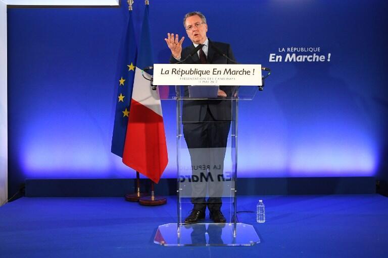 """کنفرانس خبری ریشار فران، دبیرکل جنبش سیاسی امانوئل ماکرون """"جمهوری در حرکت""""، در پاریس. پنجشنبه ۲۱ اردیبهشت/ ١١ مه ٢٠۱٧"""