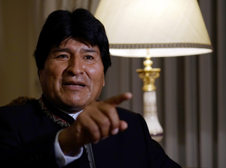 """Rais wa Bolivia, Evo Morales, akiinyooshea kidole Israeli kutekeleza mauaji ya kimbari, akisema Israeli ni nchi """"gaidi""""."""